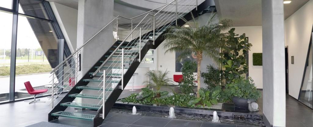 Treppe zu den oberen Büroräumen